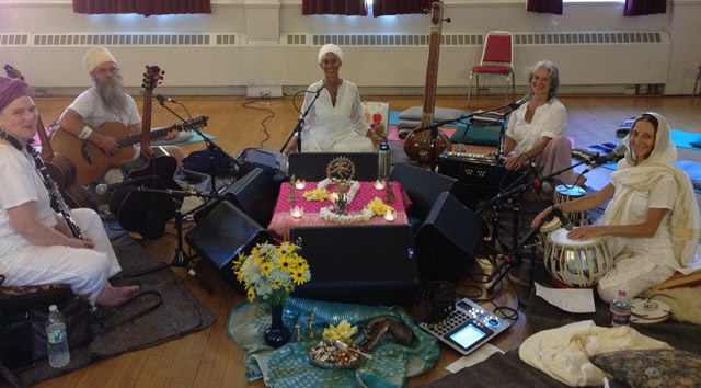 https://uupeterborough.org/sites/default/files/Kirtan%20at%20PUUC.jpg